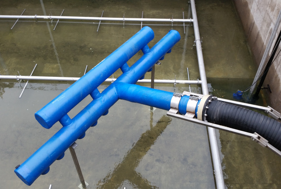 DynaCanter™ Floating Decanter used to remove treated effluent from an SBR installation