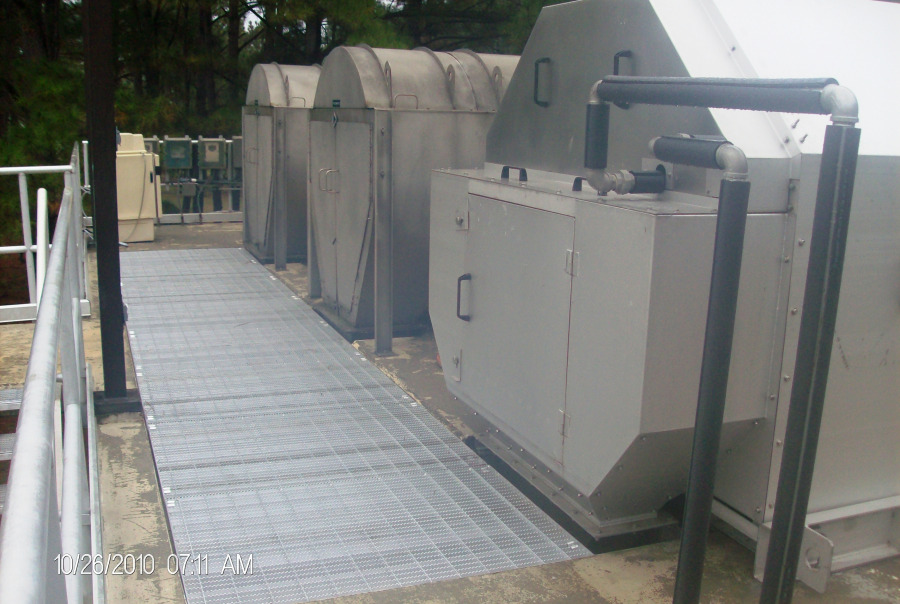 Side View of Hycor Rotoshear® Internally Fed Rotary Screens