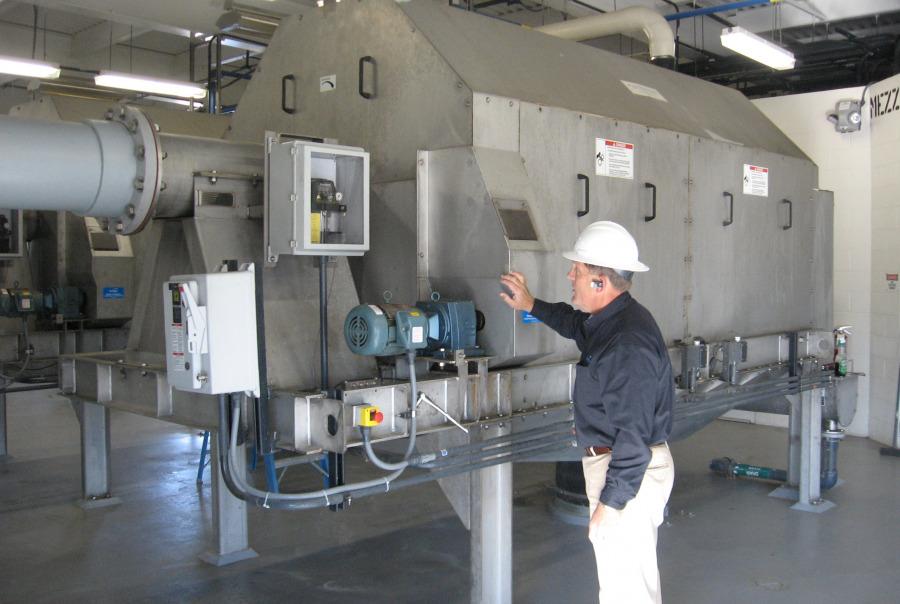 Inspection of the Rotoshear® Internally Fed Roatary Drum Screen